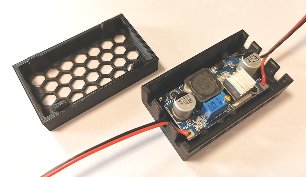 LM2596 Modul in einem Gehäuse