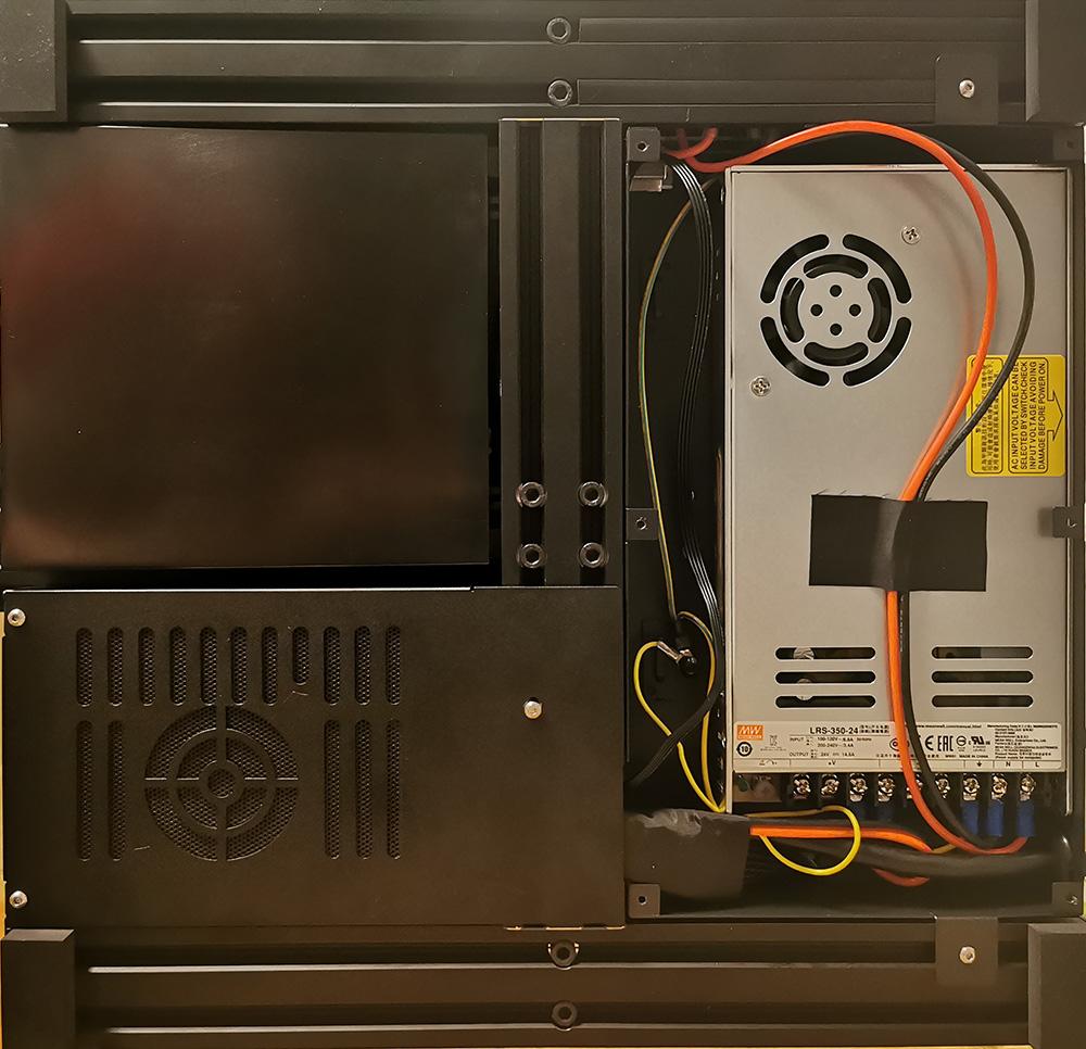 Creality CR-6 SE Unterseite mit Netzteil